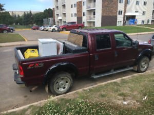 2006 Ford F-250 XLT Pickup Truck this is a fort mac truck