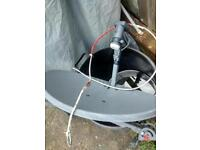 Satellite dish/ Aerial thing