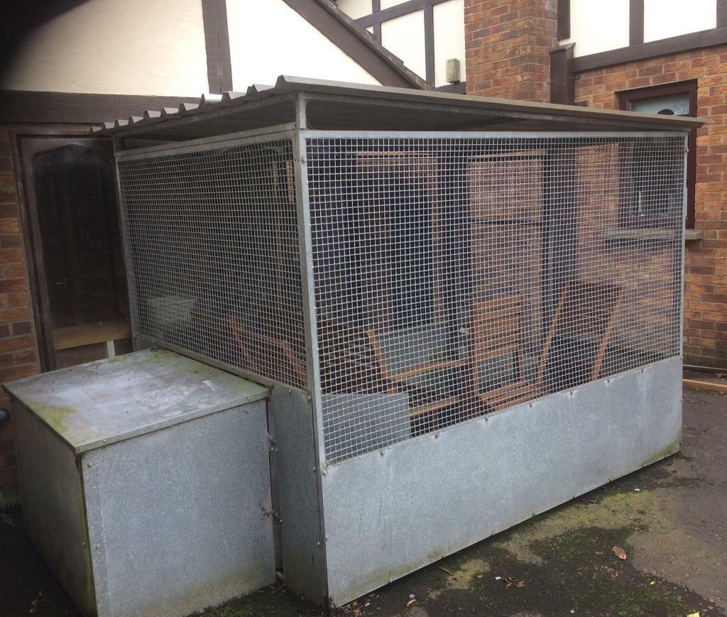 Covered galvanised dog pen