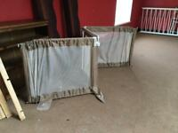 Toddler room gate/divider