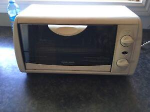Toast / Oven - Black & Decker