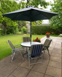 Garden table, with 4 Chairs, Cushions, and Umbrella