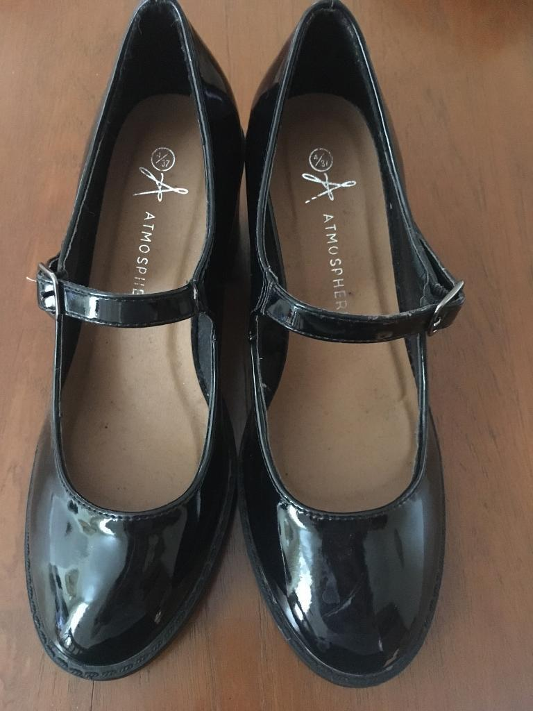 Black Mary Janes size 4