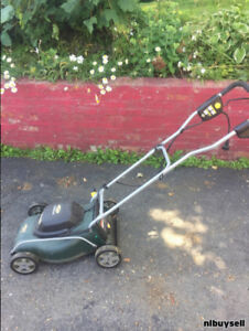 Yardworks electric lawnmower good condition