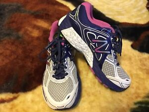 New Balance running shoes Sz 6.5