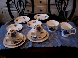 Vaisselle porcelaine fine (bone china) Made in England