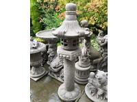 Large stone garden Chinese pagoda lantern, lovely detail. New
