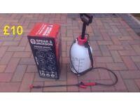 Spear & Jackson 5L Pressure sprayer in excellent condition !