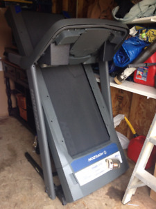 Treadmill - EXCELLENT CONDITION