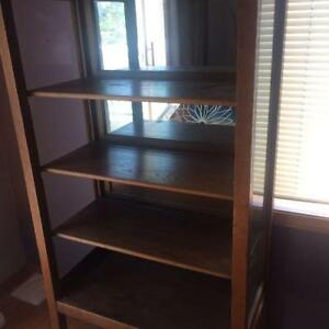 Antiqie shelving with mirror