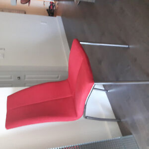 2 chaises de table Structube /2 Stuctube chairs for kitchen tabl