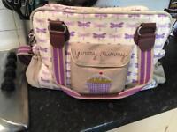 Yummy mummy bows changing bag