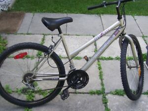 SUPERCYCLE STORM MOUNTAIN BIKE