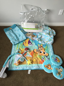 Disney Baby Finding Nemo 8 Piece Nursery Crib Bedding Set