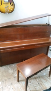 Yamaha M1 console piano with bench