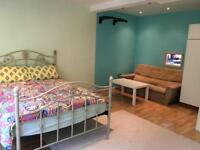 Fully furnish flat for rent short term.