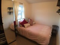 Double room with own lounge and ensuite