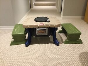 Little tikes BBQ and Pizza Oven