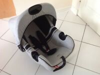 Baby car seat / Disney Mickey Mouse motif