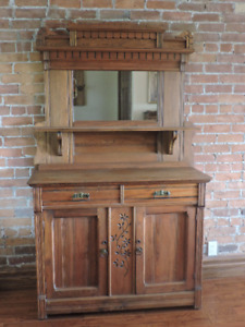 Hutch with Mirror