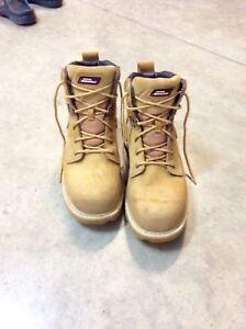 Men's Steel-Toe Work Boots, size 10