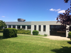 Newly Improved Industrial Building in Woodstock for sublease