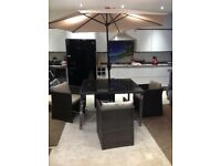 Mali Ratten Cube set Table and 4 chairs