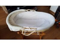 ROCKING MOSES BASKET WITH STAND