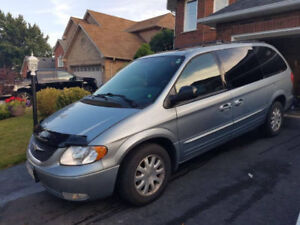 2003 Chrysler Town & Country, Van