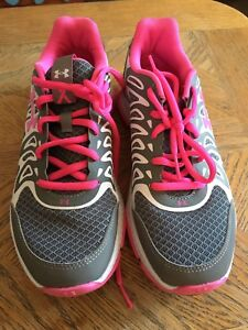 Under Armour Running Shoes Size 7.5