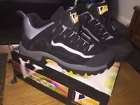 Brand new never used, unisex, Genuine unisex V-Tech sport size 6, steel toe trainers.