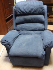 Pride Dual Motor Lift Chair --  Luxury Model LL670  --  Reduced!