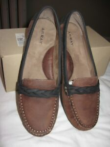 Array Loafers, Size 9 - LIKE NEW