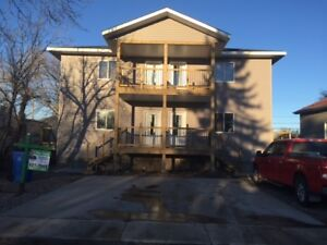 3 bed, 1 bath, 1100SF, 2yr old condo w/ basement 4 rent Estevan