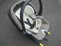Mamas and Papas First Stage Car Seat with Izofix Base