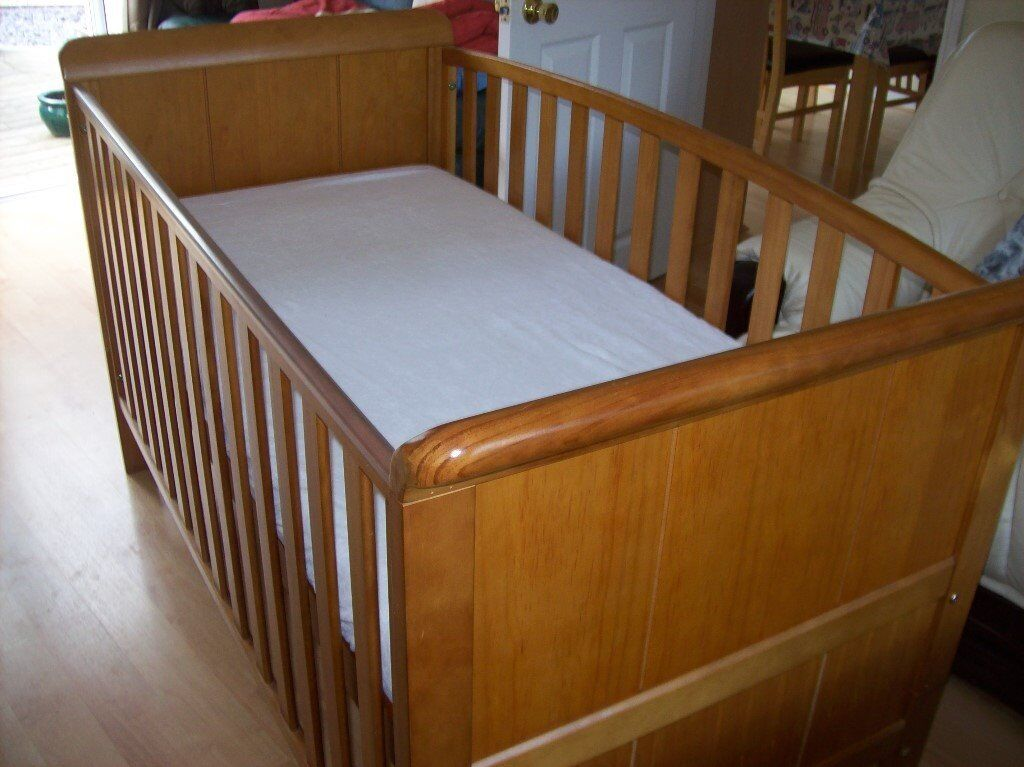 Babies R Us 3 In 1 Aspen Cotbed Sofa Bed And Toddler With Or Without Cot Mattress