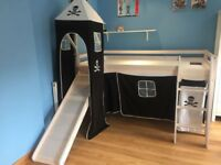 Boys pirate bed