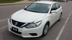 2017 NISSAN ALTIMA SEDAN // CHROME // LOW KMS ONLY 9K!!