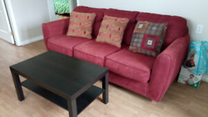 Three seater  big sofa/couch in a good condition