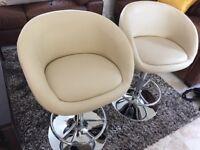 5 cream gas lift bar stools