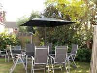 6 Seater outdoor dining set.