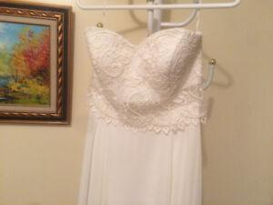 Size 8, elegant ivory wedding dress, chiffon & lace