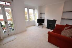 2 bedroom flat in Sylvester Road, East Finchley, N2