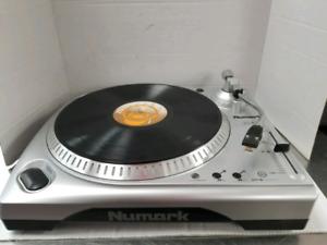 Table tournante numark style DJ