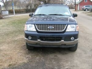 2003 Ford Explorer Loaded Eddie bauer 4x4 fix or parts runs good