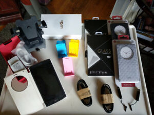 Unlocked LG G4 phone and accessories mint condition