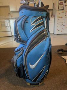 Nike bag with clubs
