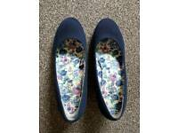 Peacocks shoes, size 6.