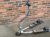 Large kids zip scooter flicker Silver - Madeley, Telford