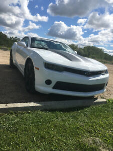 2015 Chevrolet Camaro 1LT RS Coupe (2 door)